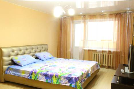 Сдается 1-комнатная квартира посуточнов Энгельсе, Кондакова 48б.