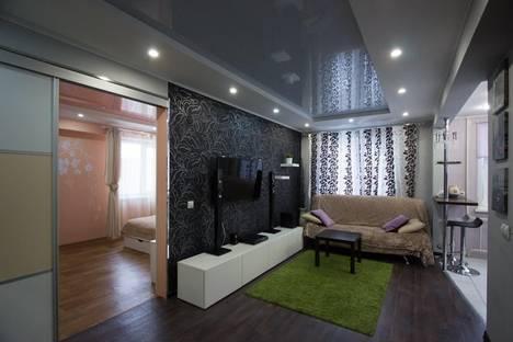 Сдается 2-комнатная квартира посуточнов Красноярске, улица Анатолия Гладкова, 5.