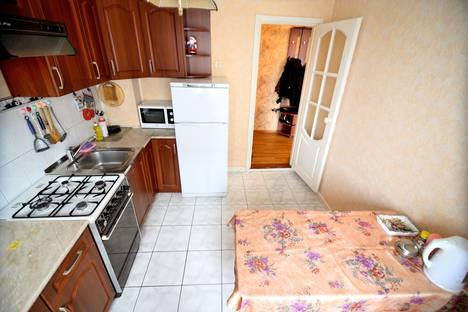 Сдается 3-комнатная квартира посуточно в Сыктывкаре, Октябрьский проспект д.53.