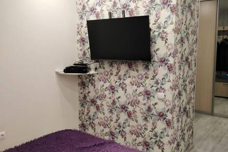 Сдается 2-комнатная квартира посуточно в Энгельсе, улица имени Маршала Василевского 67.