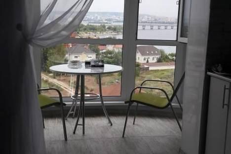 Сдается 1-комнатная квартира посуточно в Энгельсе, шурова гора 7/5.