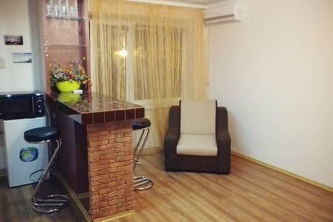 Сдается 1-комнатная квартира посуточнов Мариуполе, проспект Нахимова 99.