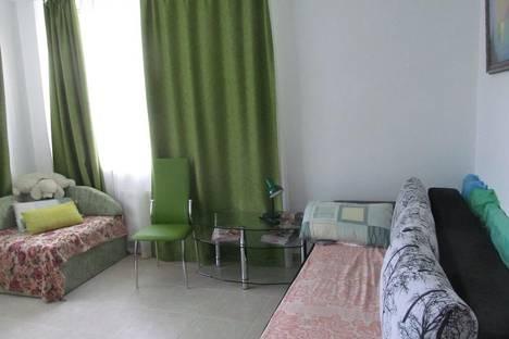 Сдается 2-комнатная квартира посуточно в Алуште, переулок  Ревкомовский ,дом 4.