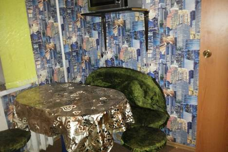 Сдается 3-комнатная квартира посуточно в Энгельсе, Строителей проспект, 20.