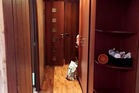 Сдается 2-комнатная квартира посуточнов Сызрани, проспект 50 лет Октября, 2.