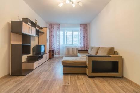 Сдается 2-комнатная квартира посуточно в Магнитогорске, улица Грязнова 30.
