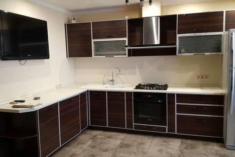 Сдается 3-комнатная квартира посуточнов Яблоновском, улица Гагарина, 148/10.