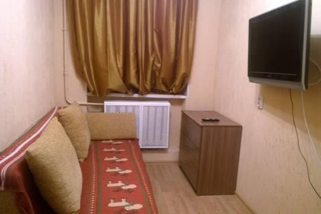 Сдается 1-комнатная квартира посуточнов Санкт-Петербурге, ул. Нахимова, 2.
