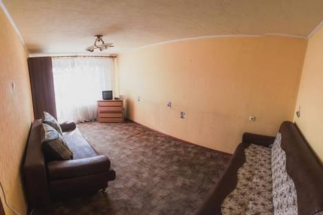 Сдается 1-комнатная квартира посуточно, улица Перова, 18.
