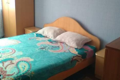 Сдается 2-комнатная квартира посуточнов Новокузнецке, проспект Дружбы, 52.
