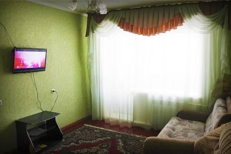 Сдается 2-комнатная квартира посуточно в Бийске, Вали Максимовой улица, 21.