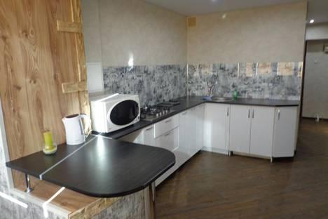 Сдается 1-комнатная квартира посуточно в Комсомольске-на-Амуре, улица Шиханова, 6.