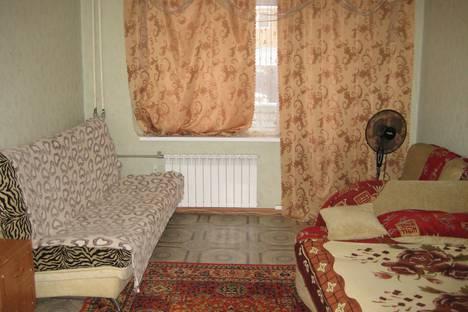 Сдается 1-комнатная квартира посуточно в Саратове, улица Тархова, 27Б.
