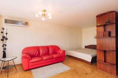 Сдается 1-комнатная квартира посуточнов Екатеринбурге, улица Малышева, 84.