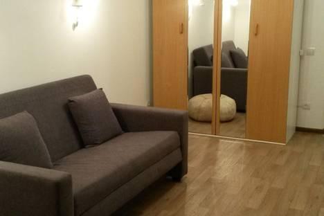 Сдается 1-комнатная квартира посуточнов Омске, Космический проспект, 14Б.