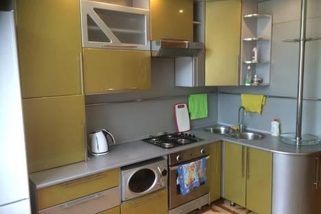Сдается 3-комнатная квартира посуточнов Барнауле, проспект Калинина, 7.