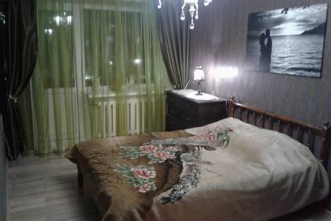 Сдается 1-комнатная квартира посуточно в Энгельсе, 2-я Ленинградская ул., 55.