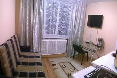 Сдается 1-комнатная квартира посуточнов Санкт-Петербурге, улица Нахимова 2/30.