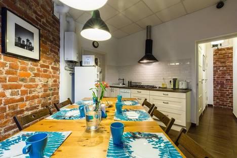 Сдается 3-комнатная квартира посуточнов Санкт-Петербурге, город улица Чапаева 2.