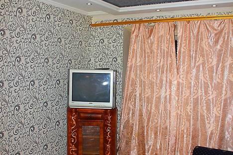 Сдается 2-комнатная квартира посуточно в Запорожье, улица Яценко, 16.