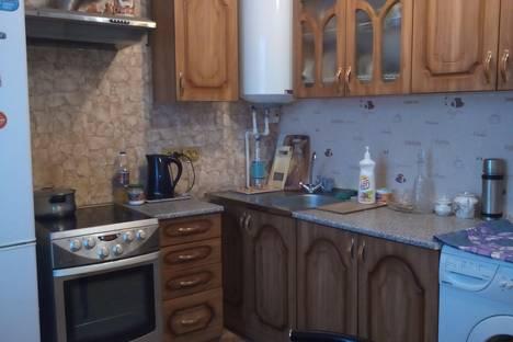 Сдается 1-комнатная квартира посуточно в Елизове, ул. Пушкина 6.