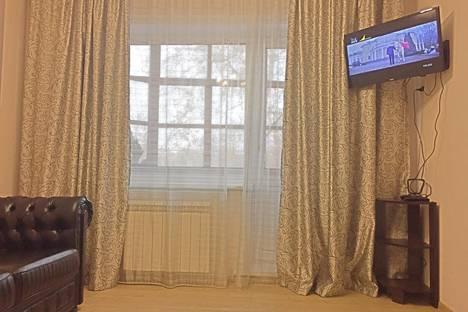 Сдается 2-комнатная квартира посуточнов Бийске, улица Короленко, 27.