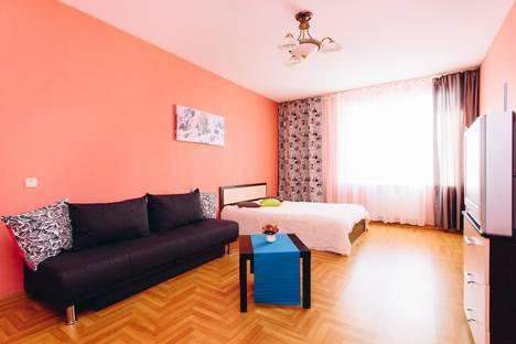 Сдается 1-комнатная квартира посуточно в Екатеринбурге, Ясная улица, 31.