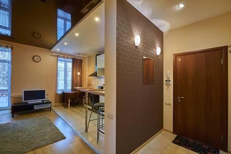 Сдается 2-комнатная квартира посуточно в Перми, улица Луначарского, 26А.