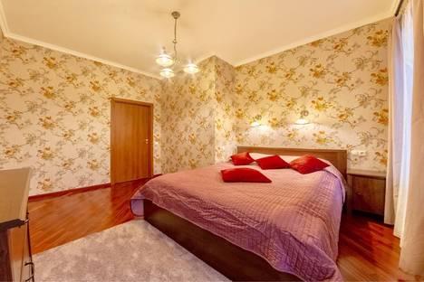 Сдается 3-комнатная квартира посуточно в Санкт-Петербурге, Невский проспект, 168.