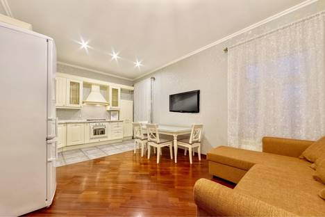 Сдается 3-комнатная квартира посуточнов Санкт-Петербурге, Невский проспект, 168.