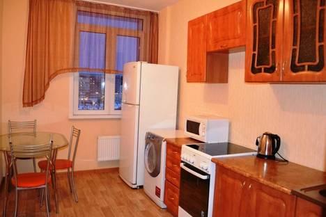 Сдается 3-комнатная квартира посуточно в Красноярске, улица Алексеева, 39.
