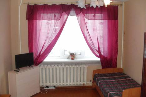 Сдается 1-комнатная квартира посуточнов Рыбинске, улица Моторостроителей 16.