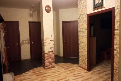 Сдается 3-комнатная квартира посуточно в Пскове, улицы Никольская, 5В.