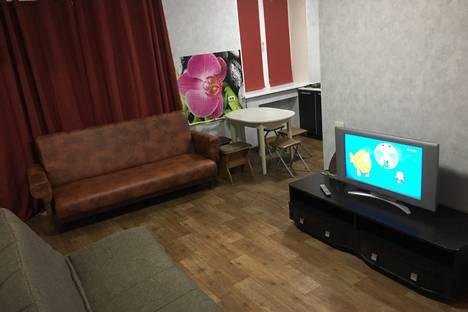 Сдается 2-комнатная квартира посуточно в Кирове, Октябрьский проспект, 88.
