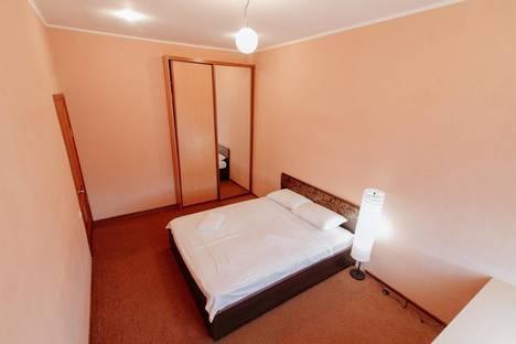 Сдается 2-комнатная квартира посуточно в Новокузнецке, проспект Металлургов, 49.