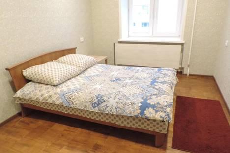 Сдается 2-комнатная квартира посуточнов Екатеринбурге, ул. Антона Валека, 12.
