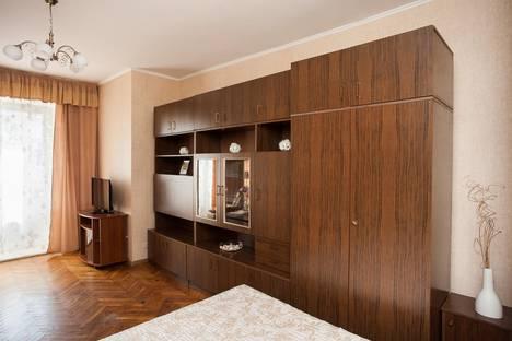 Сдается 1-комнатная квартира посуточнов Москве, улица Заморенова, 9 с2.