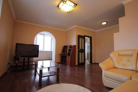 Сдается 2-комнатная квартира посуточно в Чебоксарах, улица Гагарина 30-1.