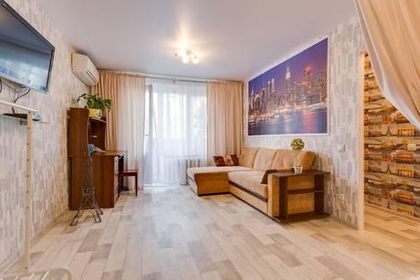 Сдается 1-комнатная квартира посуточнов Московском, Волгоградский проспект, 11.