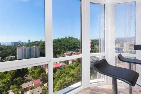 Сдается 2-комнатная квартира посуточнов Сочи, ул. Яна Фабрициуса 2/28а.