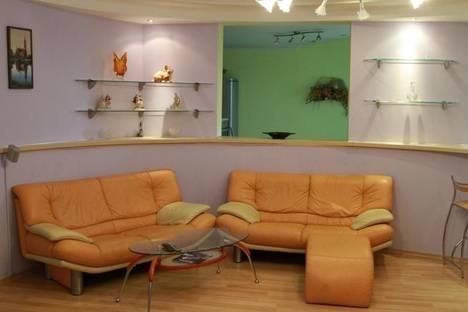 Сдается 4-комнатная квартира посуточно в Минске, улица Белорусская 17.