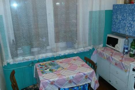 Сдается 1-комнатная квартира посуточно в Кировске, улица Олимпийская д 38.
