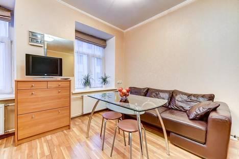 Сдается 2-комнатная квартира посуточнов Санкт-Петербурге, Невский проспект, 82.