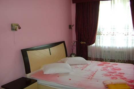 Сдается 2-комнатная квартира посуточно в Киеве, ул. Малая Житомирская, 10.