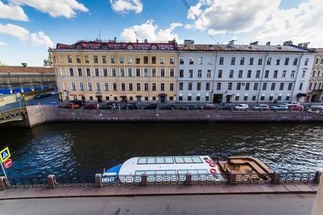 Сдается 2-комнатная квартира посуточнов Санкт-Петербурге, наб.р.Мойки д.19.