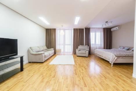 Сдается 2-комнатная квартира посуточнов Кемерове, проспект Ленина, 148.