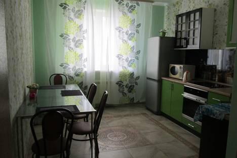Сдается 2-комнатная квартира посуточнов Новокуйбышевске, улица Врубеля 15.