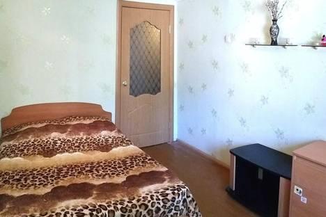 Сдается 2-комнатная квартира посуточно в Балакове, улица Трнавская, 19.