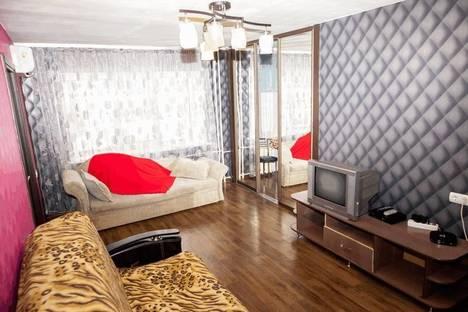 Сдается 2-комнатная квартира посуточнов Балакове, улица Набережная Леонова, 13.