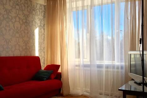 Сдается 1-комнатная квартира посуточнов Санкт-Петербурге, Новочеркасский проспект, 12/1.